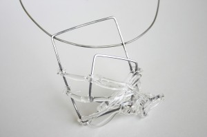 Kirsty-Pearson-Manchester-School-of-Art-Three-Demensional-Design-Brooch-Becomes-Necklace-HIGHres300dpi-1024x682